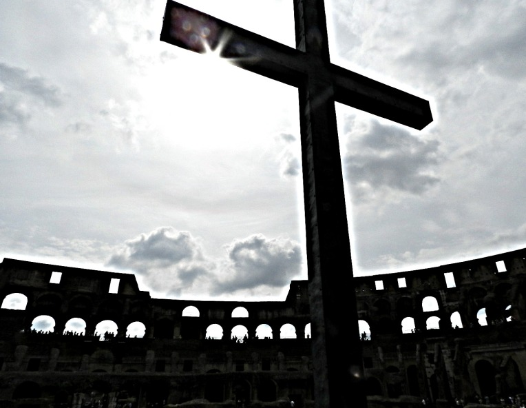 Christ at the Colosseum. - summer in Rome.